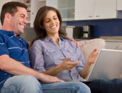 6 Facebook Tips for Engaged Couples